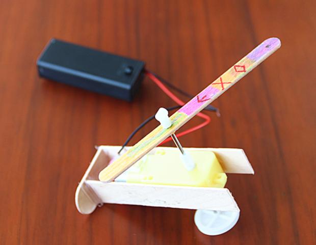 小发明:李晶组-电力绽放之花-淮外科技节之我爱发明 奇思妙想 乐在其图片