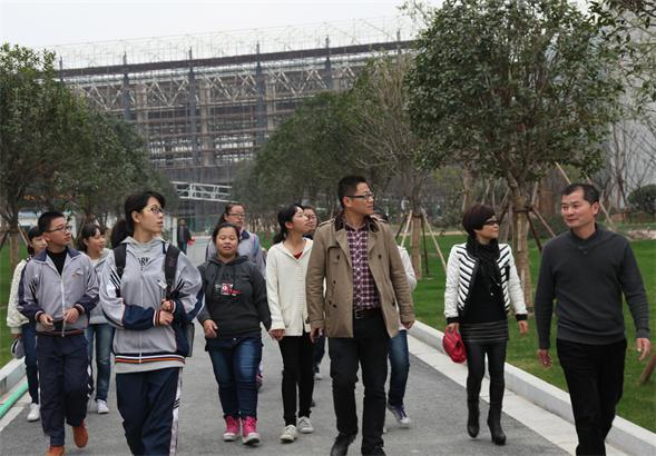 永嘉县桥头镇中学部分师生参观温州翔宇中学图片