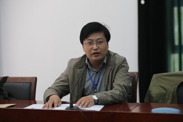 市教研室谢平老师为小英名师班作专题讲座