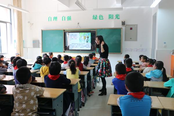 实验小学五位教师赴安宜实验学校指导工作
