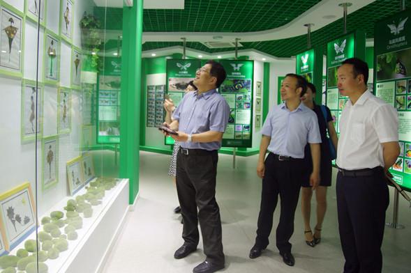 吉林市政府考察团访问温州翔宇中学