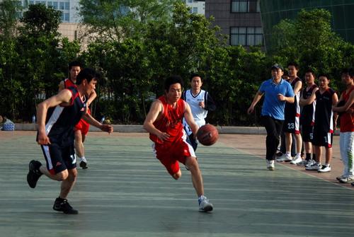 监利总校第三届教职工篮球赛高三b部获冠军